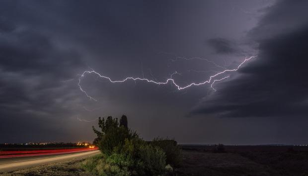 lightning-378069_1920.jpg
